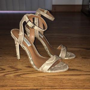 "Steve Madden ""Landen"" snake heels!"